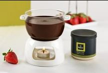 Patchi's Chocolate Fondue / Introducing the Chocolate Fondue Sets, a new way to enjoy the pure taste of Patchi chocolates! Discover the 2 flavors: Milk & Praliné and Dark & Moka and prepare with an assortment of fresh fruits.