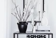 Black and White Home Styling / How to decorate with black and white, monochrome, monochromatic colour schemes