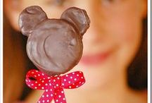 Party: Minnie Mouse Birthday Ideas / Party Decor and Party Inspiration for a Minnie Mouse Birthday Party