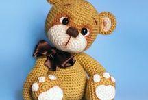Teddybären / Einfach das liebste was es zum Knuddeln gibt ist ein Teddybär. Für Kinder, für Erwachsene, gehäkelt und gestrickt.