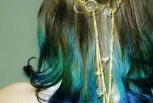Hair Hair and more Hair / by Alondra Felipe
