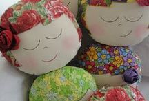 Almofadas / Almofadas feitas de feltro e tecidos / by Glória Luz