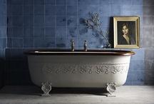 Bathrooms / by Melissa Jakobitz