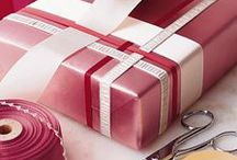 gifts. wrapping. / by Melissa Yoder