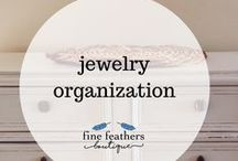 jewelry organization / Ideas for organizing your jewelry collection.  DIY, organization, tips and tricks for storage, creative space-saving.