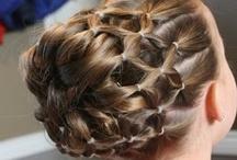 Pretty Hairdos / by Oviya