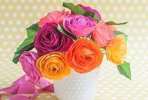 Crafty Flowers / by Oviya