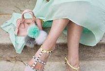 Style: Pompon / Ideas para decorar tus bolsos y complementos com pompones.  También ideas de decoración del hogar con pompones. Manuales de cómo hacer pompones tú mismo (diy)