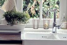 Kitchens / by Amanda Stone