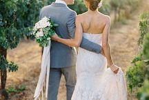 Hochzeit in den Weinbergen / Ihr liebt Wein und den Flair von Weinbergen? Warum nicht genau dort heiraten?!  #hochzeit #freietrauung #weinberge #traulina