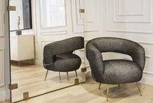 Sofas / Sofás, poltronas e chaises - Mobiliário e Decoração Veja mais: http://tralhaodesigncenter.com/index.php/pt/mobiliario/sub-menua/sofas