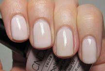 Beauty // Nails / by Jeni Bishop