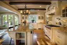 Kitchens / by Susana Tull