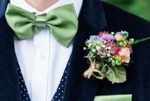 Wedding Buttonholes & Boutonnieres / The perfect flower & alternative inspiration for Groom's lapels. / by Whimsical Wonderland Weddings