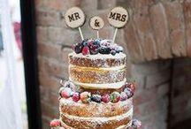 Naked Wedding Cakes / The most beautiful, rustic, wedding naked cake layered sponge goodness. YUM.