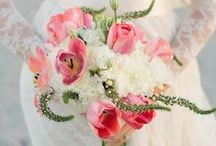 Beach Wedding Bridal Bouquets / Beach wedding bridal bouquet inspiration!