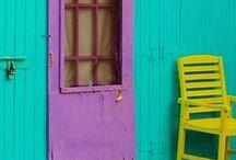 c o l o r / Striking color palettes.