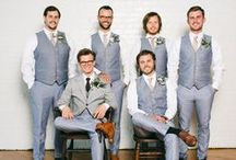 The groom and groomsmen | Inspiration / Posing photo ideas for the groom, the groom getting ready and the groomsmen.