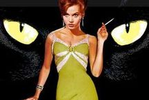 Strike A Pose [Gallery] / A pictorial history of 60s Futuristic Fashion & Haute Couture posing