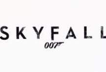 Skyfall, 26. oktober 2012 / I Skyfall bliver Bonds loyalitet overfor M (Judi Dench) sat på en prøve, da begivenheder fra hendes fortid sætter tingene i et nyt perspektiv. Da MI6 kommer under angreb, må 007 opspore og ødelægge truslen, uanset hvor personlige omkostningerne bliver.