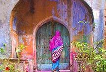 to wander thro / doorways & gates & portals