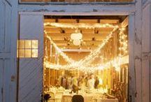 Wedding In Bellwether Barn / Does Saturday night on the town involve cowboy boots and the country two‐step? Do you prefer riding a horse or a John Deere tractor to riding the bus? A country chic wedding makes the perfect option for couples who personify a farming or western lifestyle. Blending a rustic setting with charming vintage‐ chic decor delivers a warm and comfortable atmosphere ideal for a romantic ceremony and a lively post‐ nuptials hoedown.