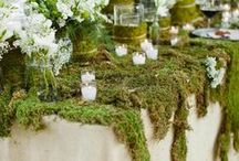 Stunning Wedding Florals /  A stunning centerpiece can be part of your permanent decor, a seasonal refresher or something special for a dinner, holiday or big event! Indeed Decor and Diving Dog Vineyard features centerpieces that are unique and use local flowers and forest finds. Think outside the box!
