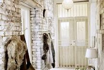 Rustic Style / Rustic style evokes a remote mountain cabin, time-worn French country chateau, industrial city loft, western ranch house, Tuscan farm house or eclectic mix of all of the above.