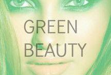 Green Beauty / Color us GREEN with envy of these gorgeous looks.