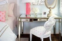 Lovely Furniture / Classic, sheek