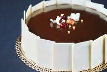 Cakes / by Cristina Tubelli