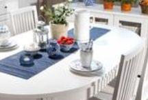 Laulumaa - Ida® / Idassa yhdistyy ripaus perinteikästä talonpoikaishenkeä, hienostunutta kustavilaisuutta ja nykyaikainen toimiva mitoitus. Persoonallisuutta sarjaan tuovat kauniit yksityiskohdat: mm. uurrekoristelu eli rihlaus ja fasettihiotut lasiovet. Ida on suunniteltu niille, jotka arvostavat laatua ja uusvanhaa, pelkistettyä tyyliä.