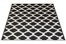 Laulumaa - matot / Sisustustuotemallistostamme löydät uusia mattoja. Pienilläkin hankinnoilla uusit kotisi ilmettä helposti ja edullisesti. Voit tilata tuotteet myös kätevästi netistä, Laulumaa Huonekalut -verkkokaupasta.