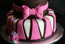 Amazing & Beautiful Cakes! / by Staci Brady