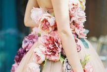 OPULENTE BRAUTKLEIDER / Auffällig, einzigartig und ein echter Hingucker sind diese Brautkleider.