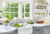 Kitchen Open Shelving Ideas / The best of the best ideas and tips for open shelving in the kitchen!