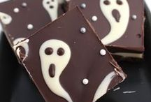 Halloween Food / Looking for easy Halloween cupcakes, cookies, cakes or treats for your party? Follow our board so you don't miss out on the Halloween Spookiness!
