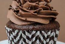 Cakes ! / by Mackenzie Macinnis