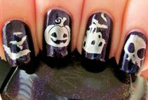 Eyes, Lips and Nails / by Denise's Basket Hill Watchs & Trinkets