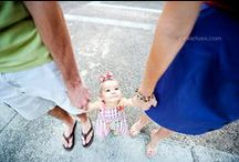 Family Photo Ideas / by Alyse Wecker