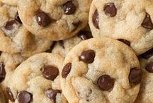 Bake Sale / Cookies, Bars, Brownies, Squares, Blondies, No-Bakes and other snack ideas. / by Confection Queen