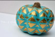Autumn: Harvest & Halloween / Although I live in the tropics, my fall decor reminds me of the changing seasons!