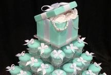 Breakfast at Tiffany's Themed Bridal Shower on a Budget / Hosting a Breakfast at Tiffany's Themed Bridal Shower but don't have a clue where to start? Check out these ideas for your next memorable event.
