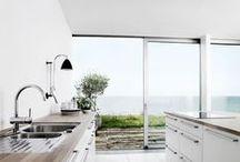 Minimalist Modern Kitchen / by Knob Deco