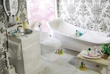A Mini Bathroom / by Nina Eary