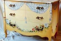 muebles pintados,  / by Dorina Ortiz