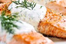 Food and drinks / Ruokaa kalasta, kasviksista, sienistä, kananmunasta ja maitotuotteista. - Food  of fish, vegetables,  eggs, mushrooms and dairy foods.