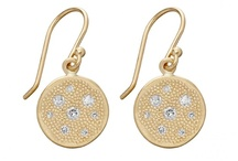 • Jewellery - earrings