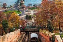 Mochila · HUNGRIA <3 / Mochila lista para ir a Hungria, Budapest. Un país maravilloso lleno de naturaleza, historia y lugares increíbles. Budapest es una de las capitales más bellas de europa, para viajes de bajo presupuesto, viajes fiesteros, para luna de miel, viajes con amigos o viajes en familia