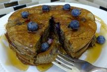Organic Buckwheat & Blueberry Pancakes / As the kids begin to go back to school, this recipe is a healthy way to make sure everyone gets a great start to their day!